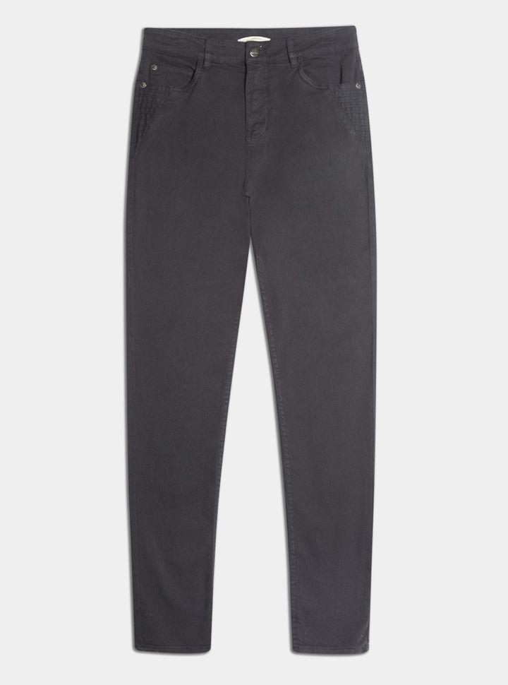 Pantalón 5 bolsillos detalles 28